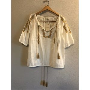 NWT Lucky Brand boho top with embroidered flowers